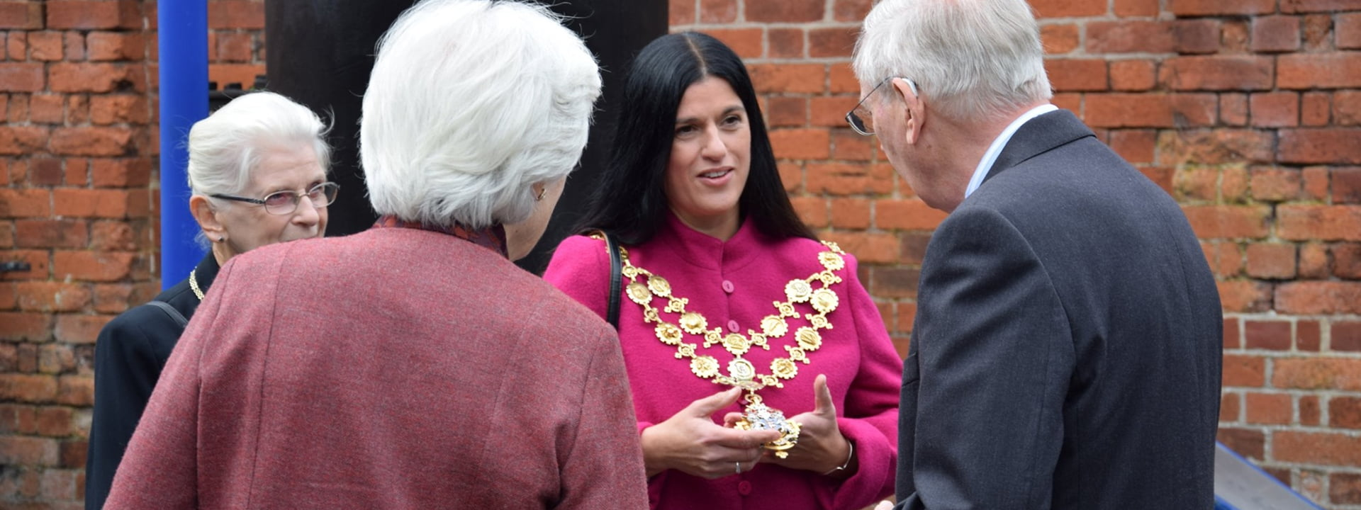 The Mayor wearing her livery collar